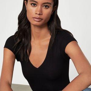 BCBG MAXAZRIA Black V-Neck T-Shirt